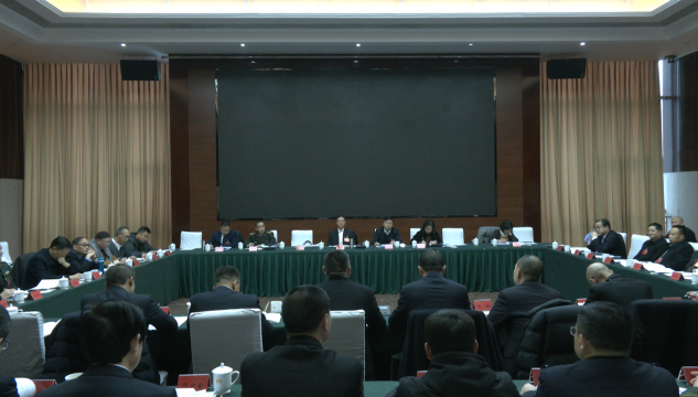 市政协七届五次会议举行分组专题讨论