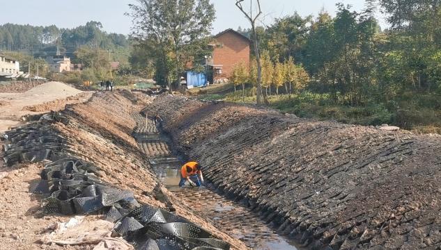 蟠龙冲综合治理工程项目预计本月底完工