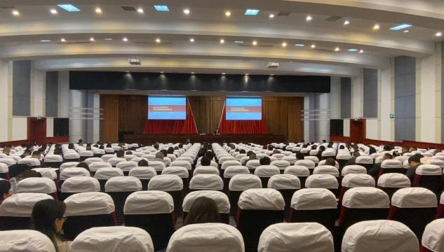 省委宣讲团走进资中宣讲党的十九届五中全会精神