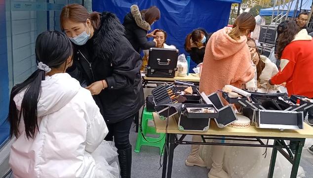 内江姚氏彩妆美容培训学校:为选手精心打磨靓丽妆容