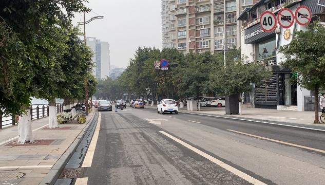 东兴区临江路解除交通管制恢复通行