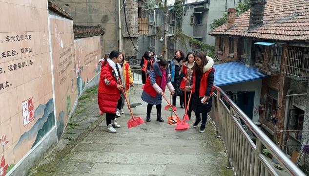 甘泉寺社区:月末大清扫 营造整洁环境